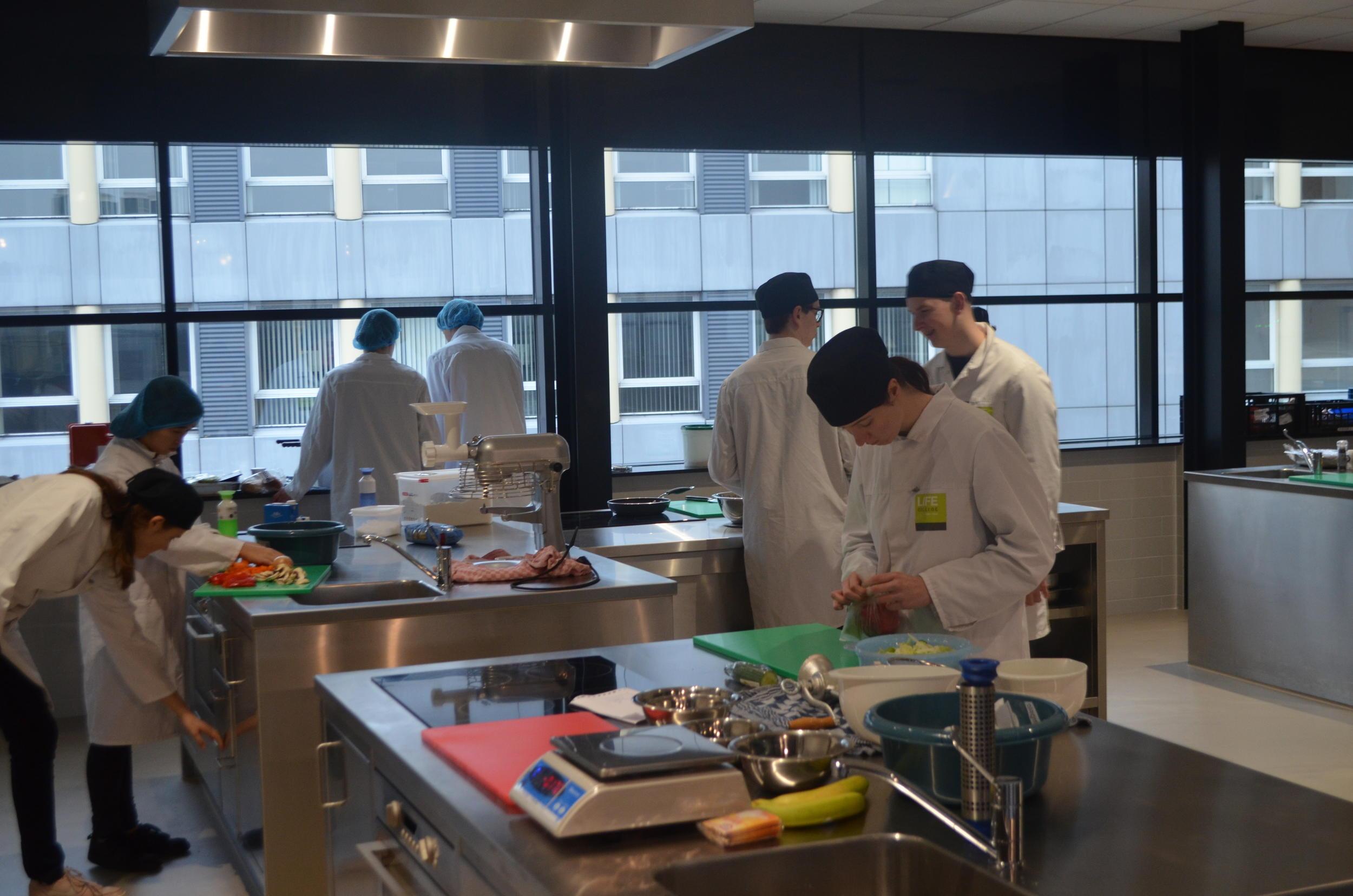 Studenten Food LIFE College